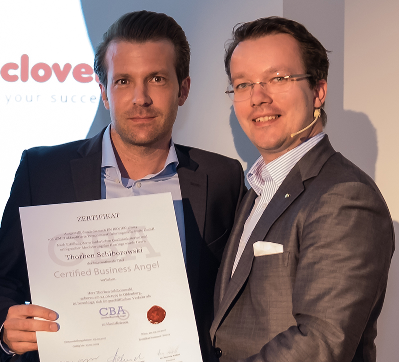 "Thorben Schiborowski (on the left) was awarded with the title ""Certified Business Angel""."